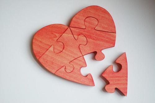 broken-heart-hearti-hurt-hurted-favim-com-198591_large